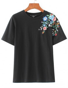 Floral Embroidered Basic T-shirt